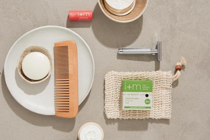 i + m Naturkosmetik plastikfreies Badezimmer
