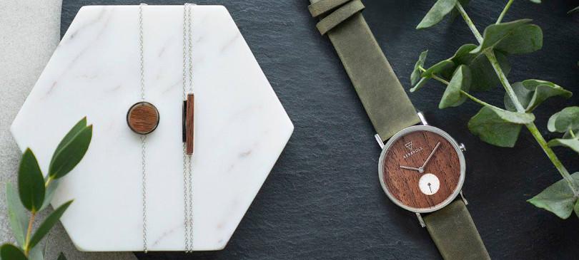 Kerbholz Uhren und Schmuck aus Holz