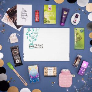 Unboxing TrendBox Dezember-Box 2020 Let it Glow - 1000px